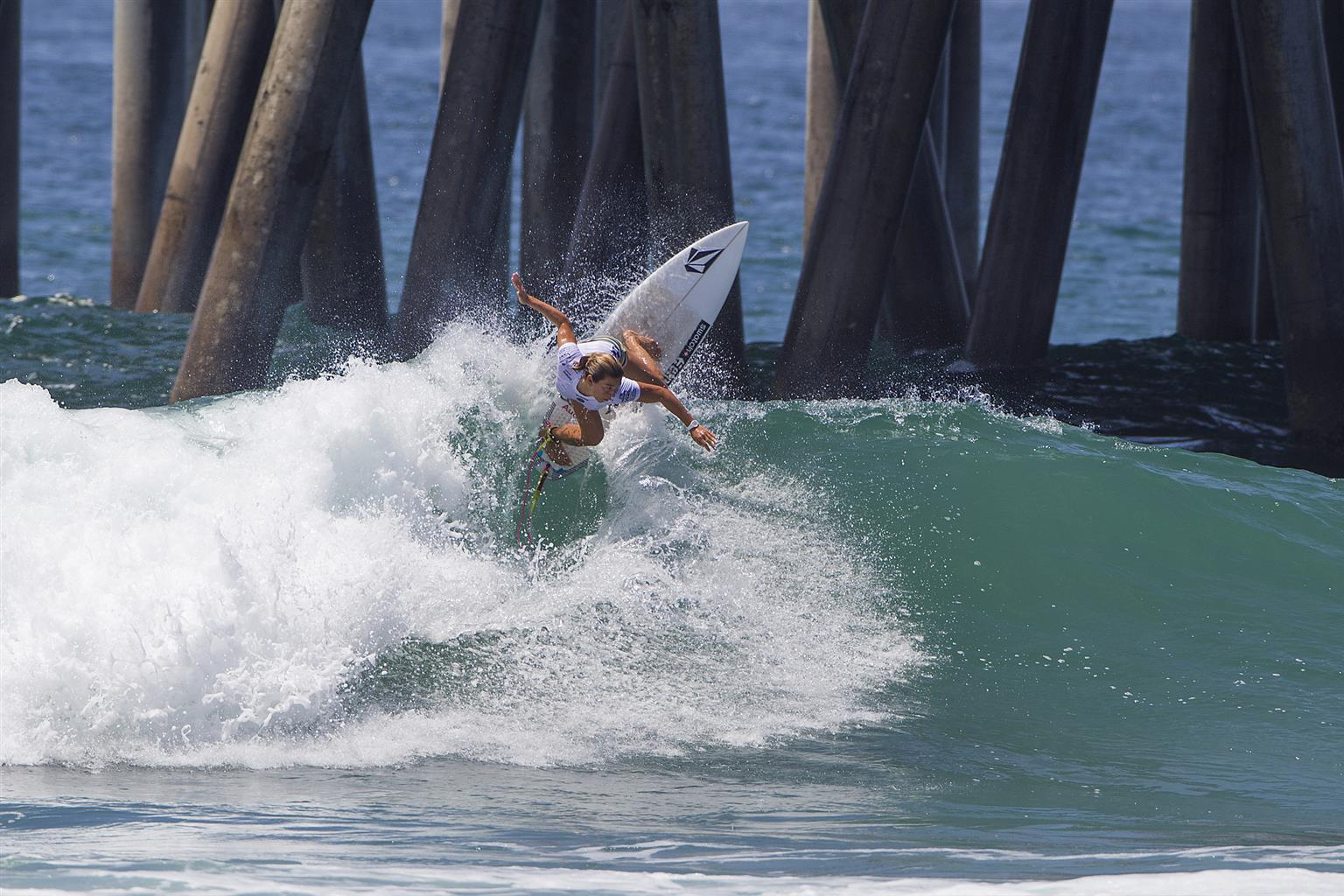 Niecodzienna sesja surferki