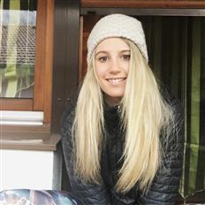 Boardriding Anna Gasser