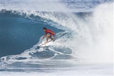 Michel Bourez victorious at Billabong Pipe Masters & Vans Triple Crown of Surfing title goes to JJ Florence