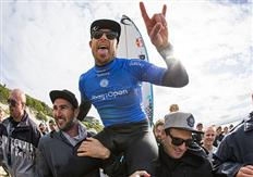 Mick Fanning claims victory at J-Bay Open