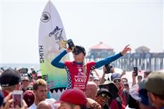 Tatiana Weston-Webb gives winning performance at the Vans US Open of Surfing