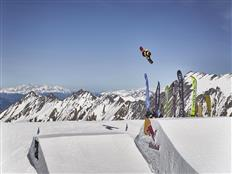 World Rookie Tour Snowboard 2019 partners with the Audi Nines